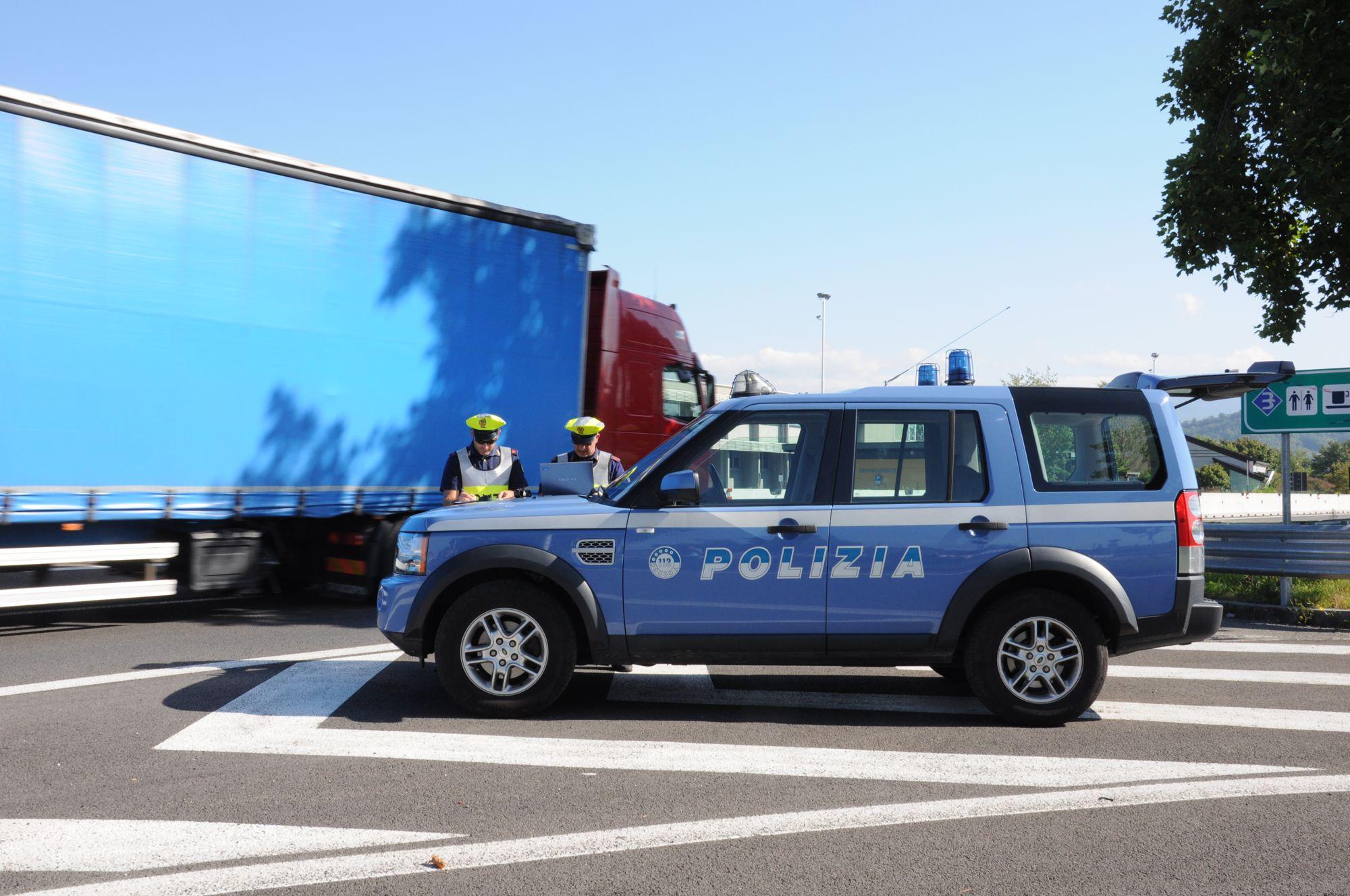 Archivio for Polizia stato permesso soggiorno