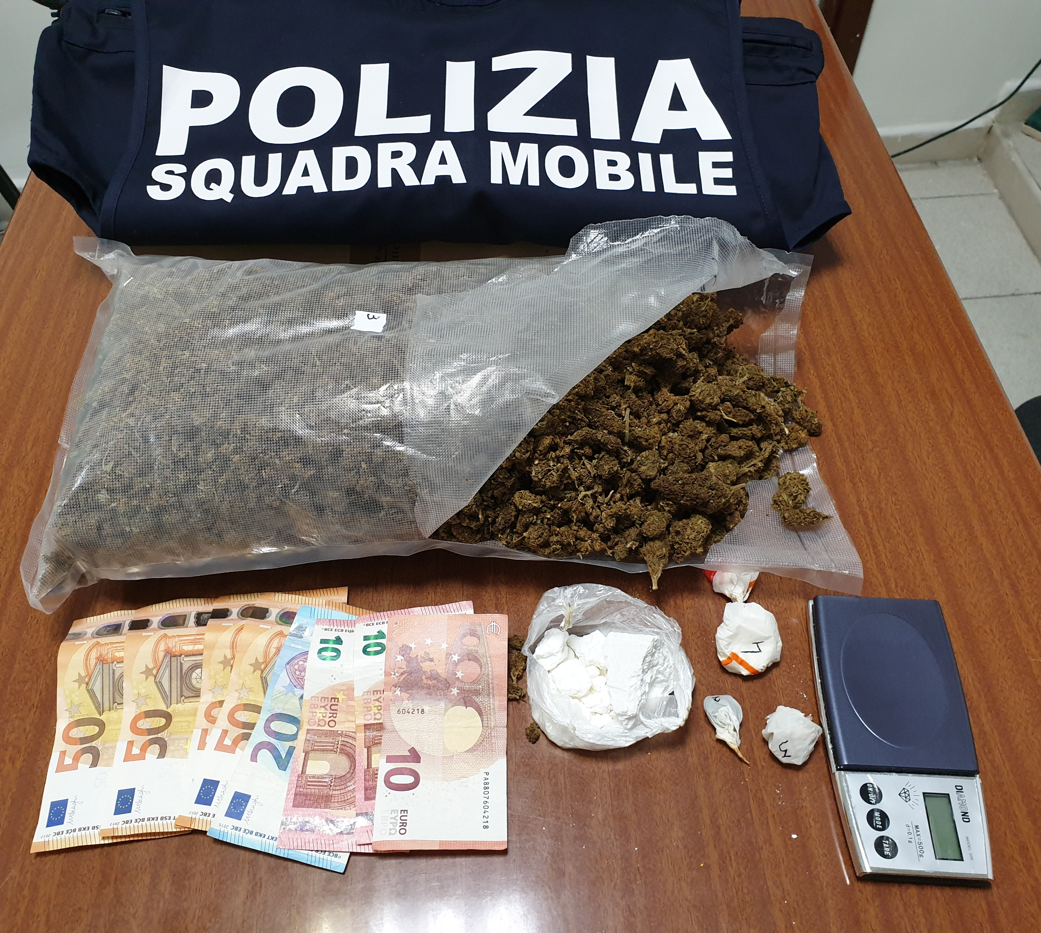 Arrestato pusher che trasportava cocaina