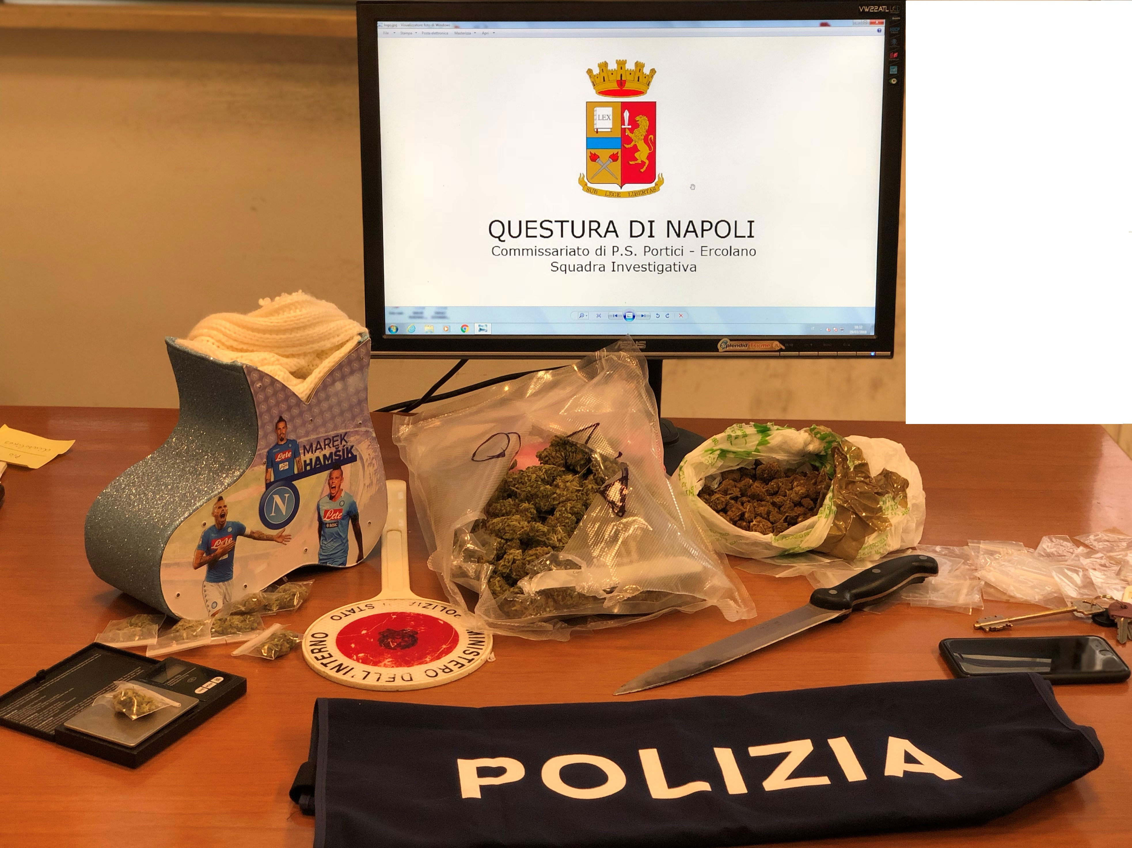 sequestrate dosi di  marijuana in una scatola effigiante il capitano del Napoli