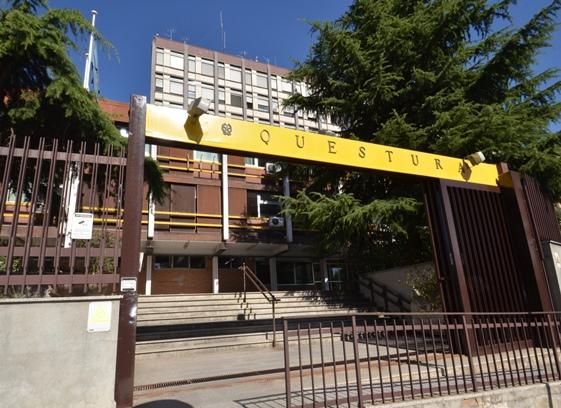 Ufficio Questura : Roma la questura cambia look inaugurato il nuovo ufficio urp