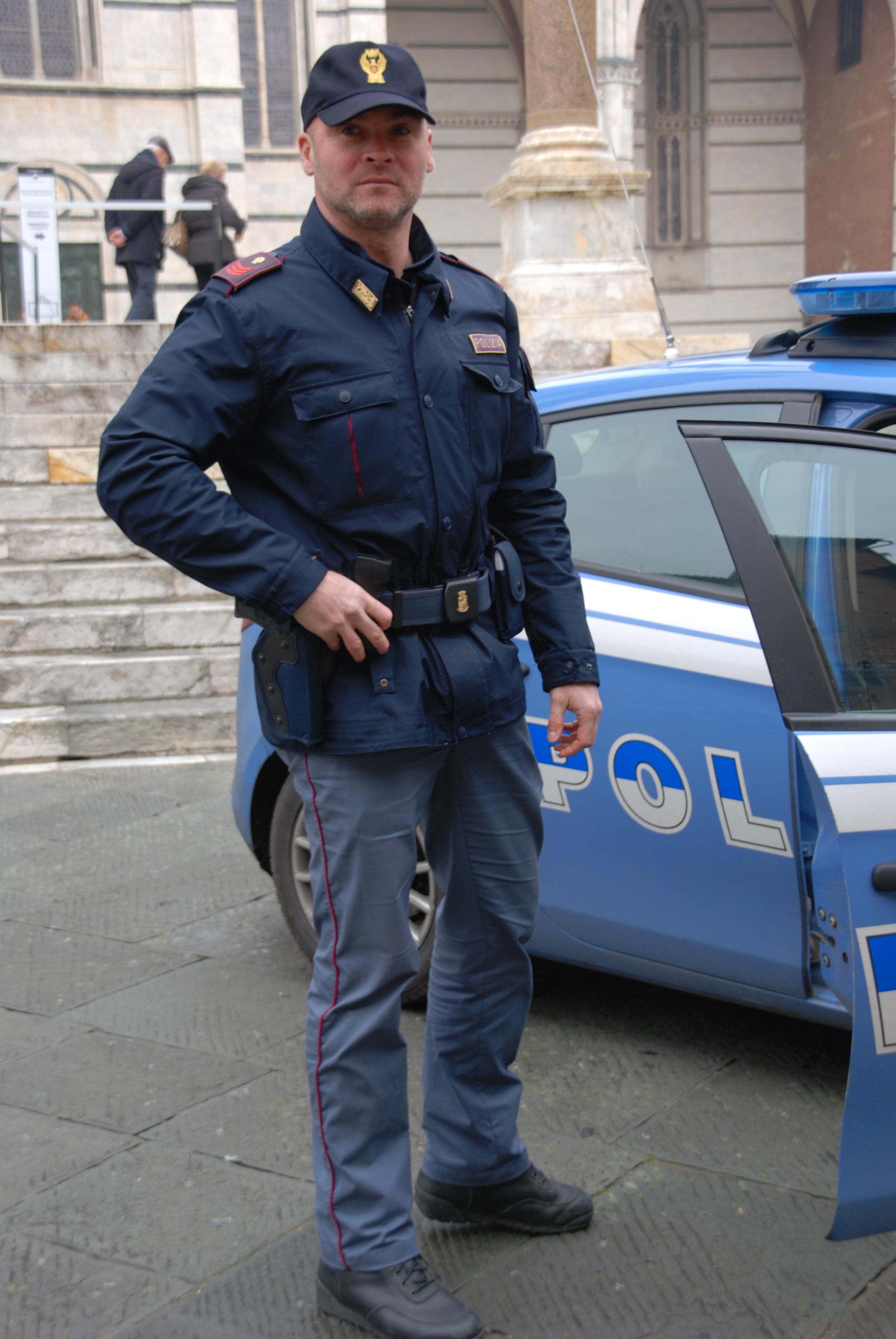 Polizia di stato questure sul web siena for Questura di como permessi di soggiorno