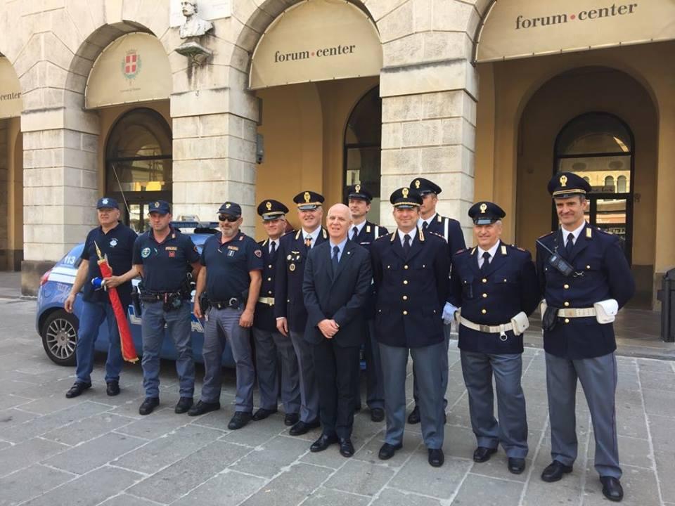 71 anniversario della fondazione della repubblica italiana for Questura di vicenza permesso di soggiorno