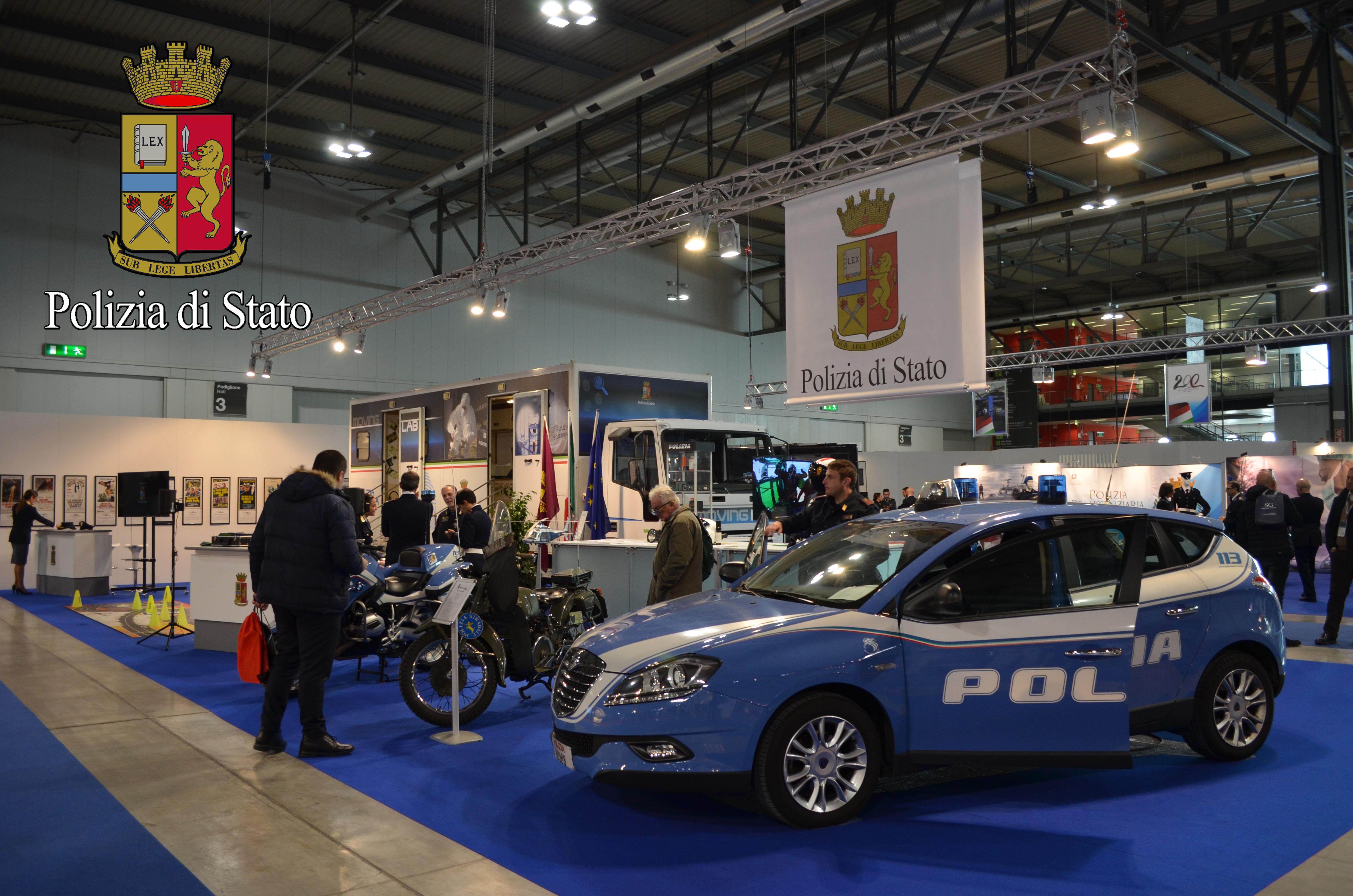 La polizia di stato alla fiera della sicurezza 2017 for Questura di cremona permesso di soggiorno
