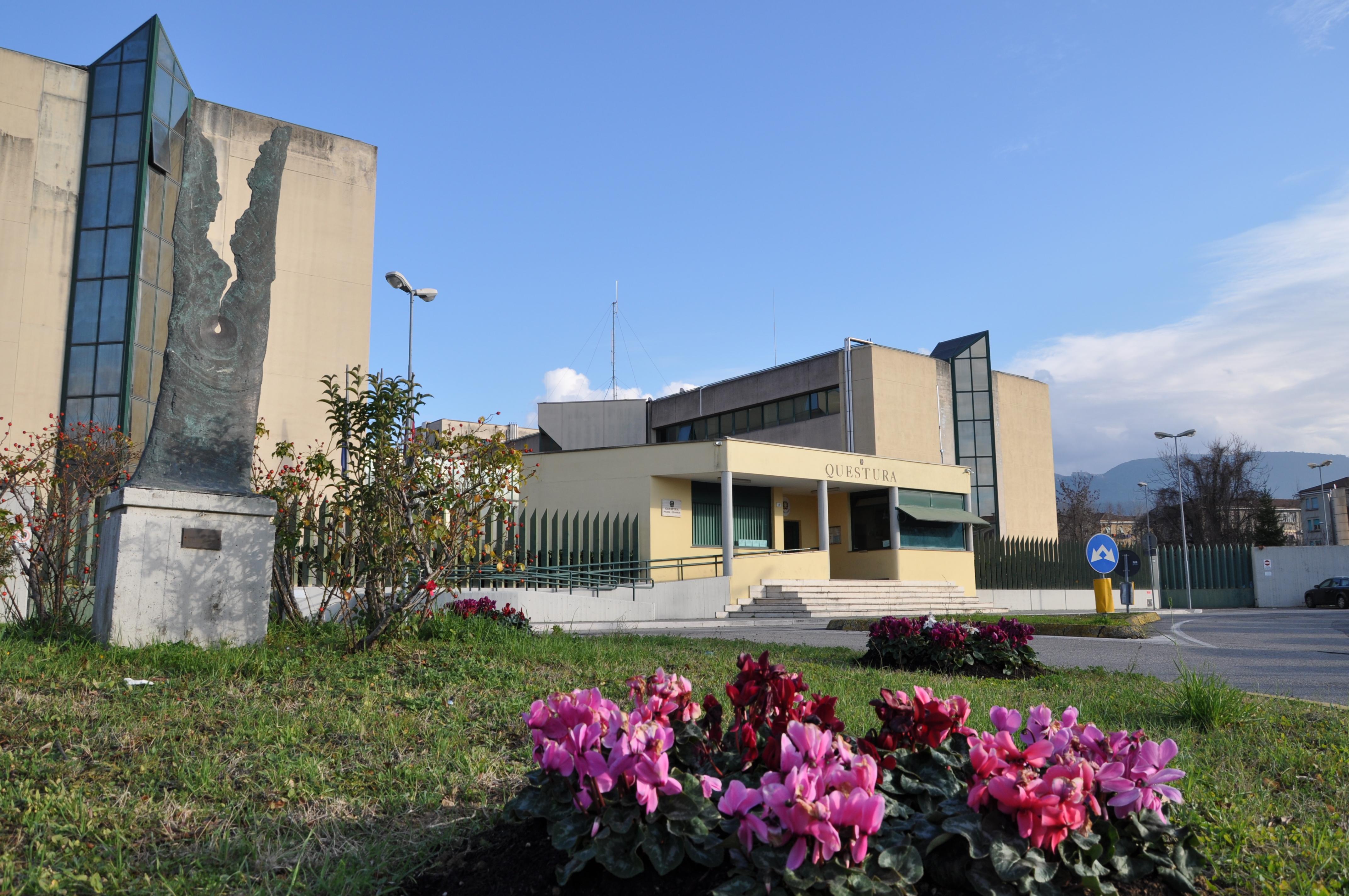 Emejing Questura Di Siena Permessi Di Soggiorno Pronti Da Ritirare ...