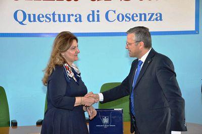 Lecretia TANASE, Console Generale di Romania a Bari in ...