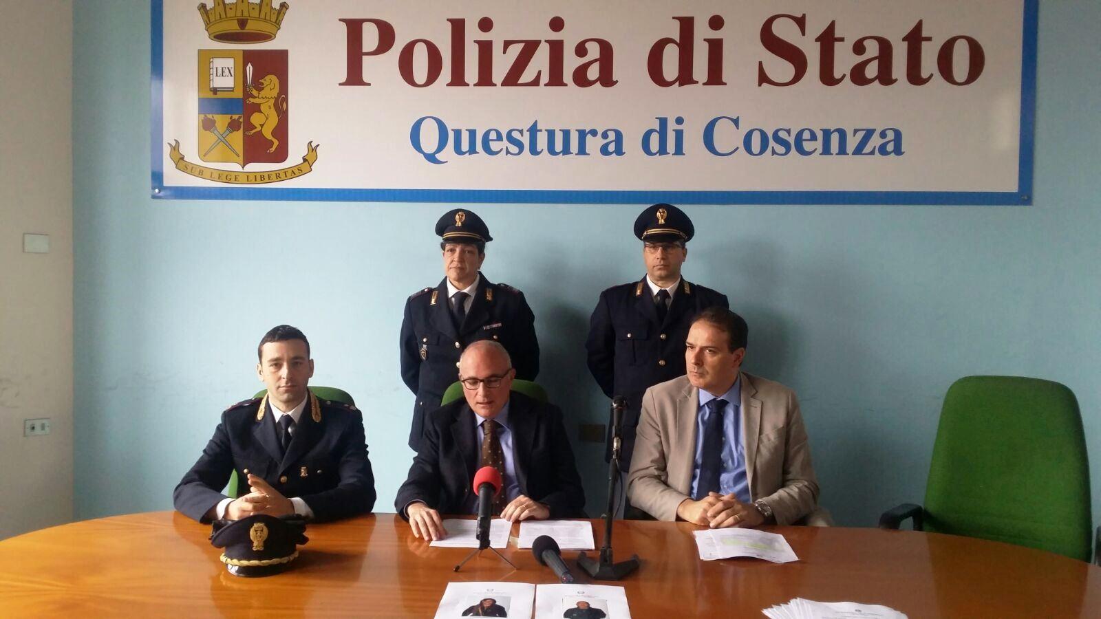 Polizia di stato questure sul web cosenza for Polizia di stato per permesso di soggiorno