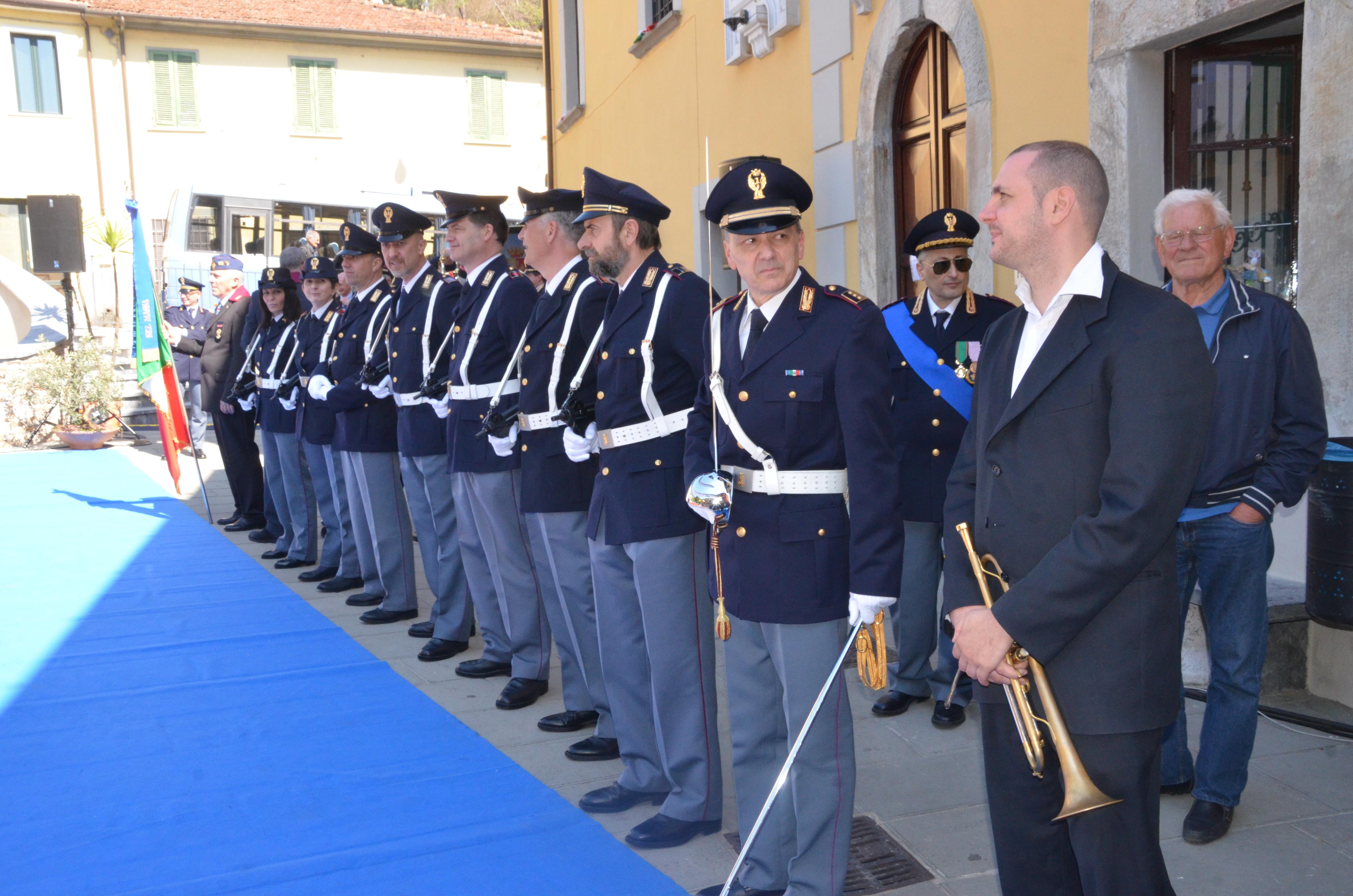 Polizia di stato questure sul web massa carrara for Stato di polizia permesso di soggiorno
