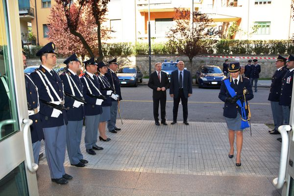 165 anniversario della fondazione della polizia di stato for Polizia stato permesso soggiorno