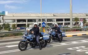 Ufficio Per Le Zone Di Confine : Ufficio polizia di frontiera tre denunciati per furti in aeroporto