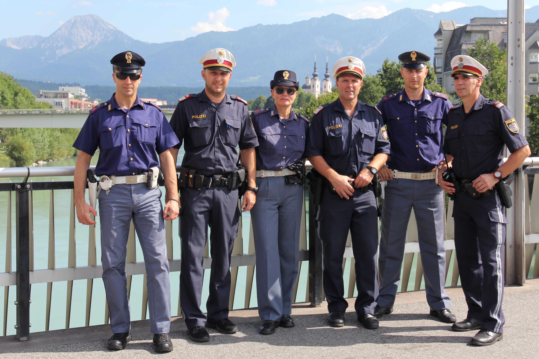 Polizia italiana con polizia austriaca for Polizia di stato permesso di soggiorno questura di napoli