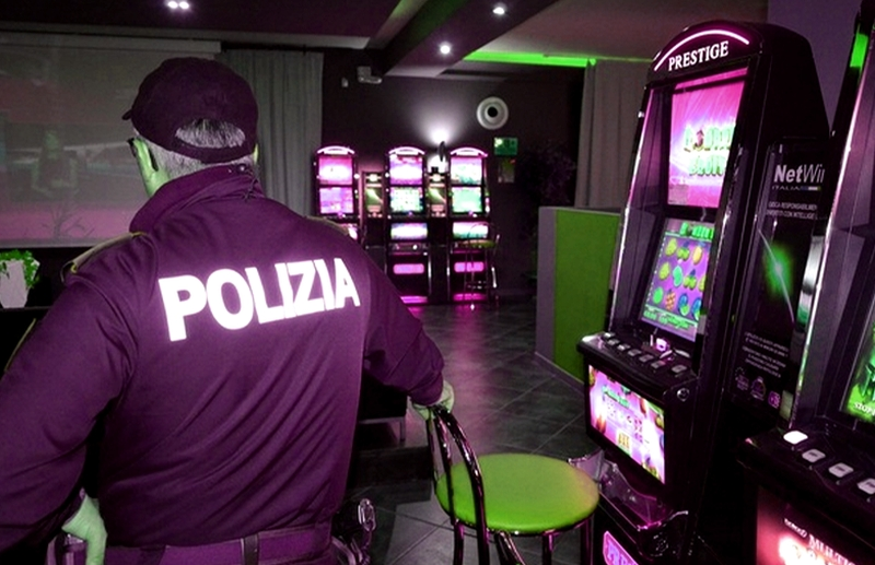 Sequestrate slot machine e riscontrate violazioni alle norme igienico sanitarie
