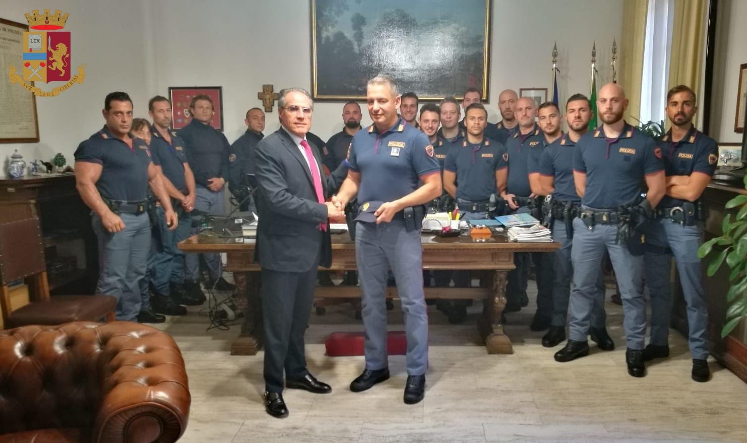 La Polizia di Stato sventa una rapina in banca a Porta al Prato ...
