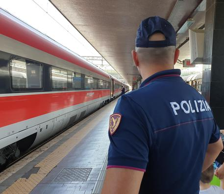 TRAIN TO BE COOL:  La Polizia di Stato incontra gli studenti in Liguria.