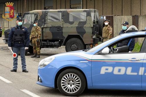 Rho (Mi): controlli anti contagio Covid-19 della Polizia di Stato ...