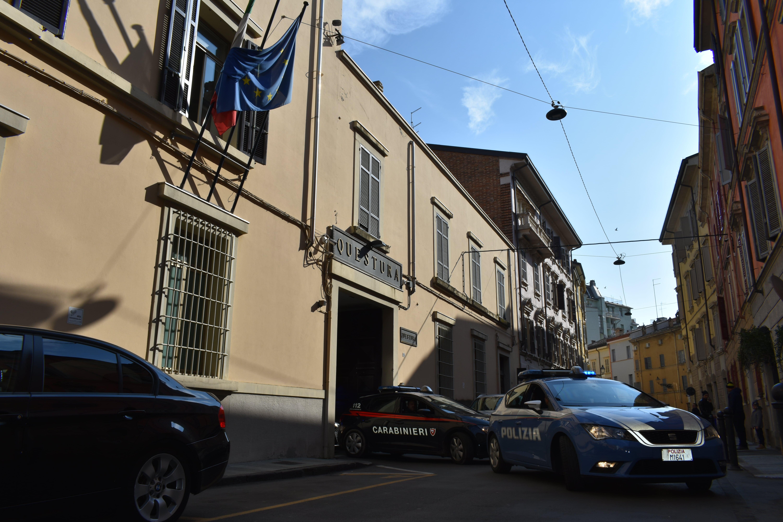Polizia Di Stato Eseguite 5 Espulsioni Di 4 Cittadini Moldavi Ed 1 Cittadino Tunisino Tutti Irregolari Sul Territorio Nazionale
