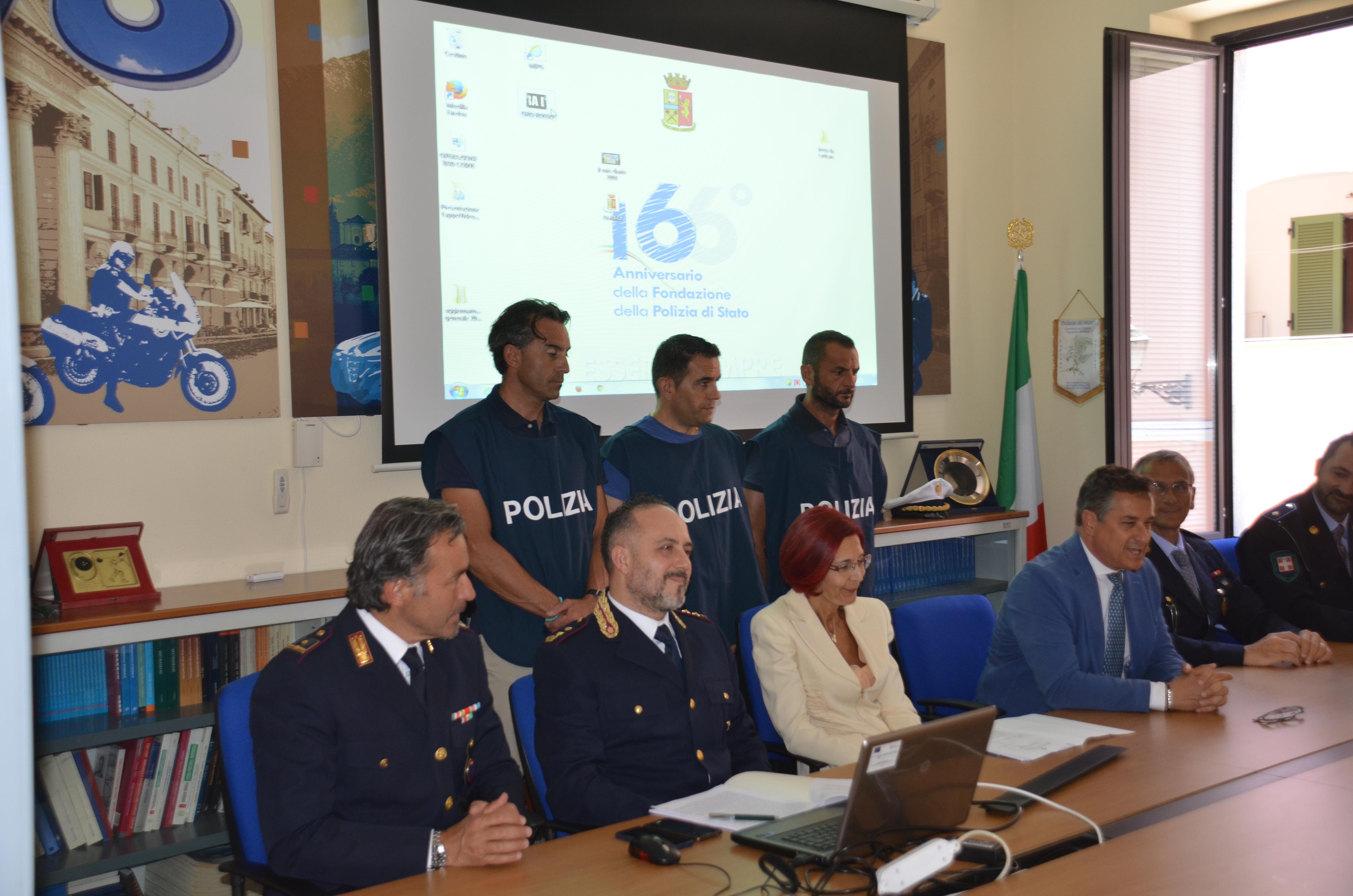 Questura Di Cuneo Permesso Di Soggiorno – Sfondo