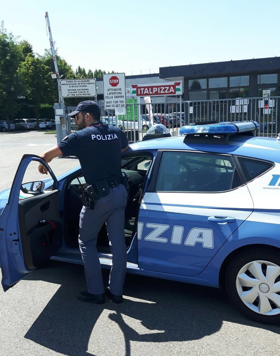 Polizia di stato questure sul web modena for Polizia di stato napoli permesso di soggiorno