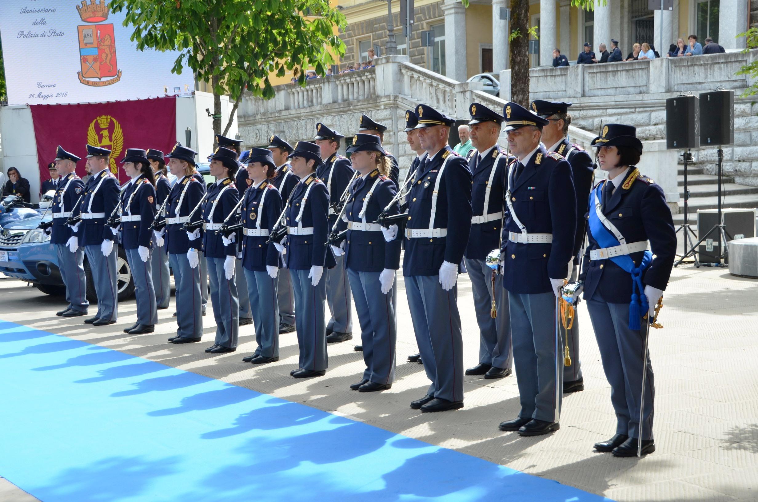 164 anniversario della fondazione della polizia di stato for Polizia di stato permesso soggiorno