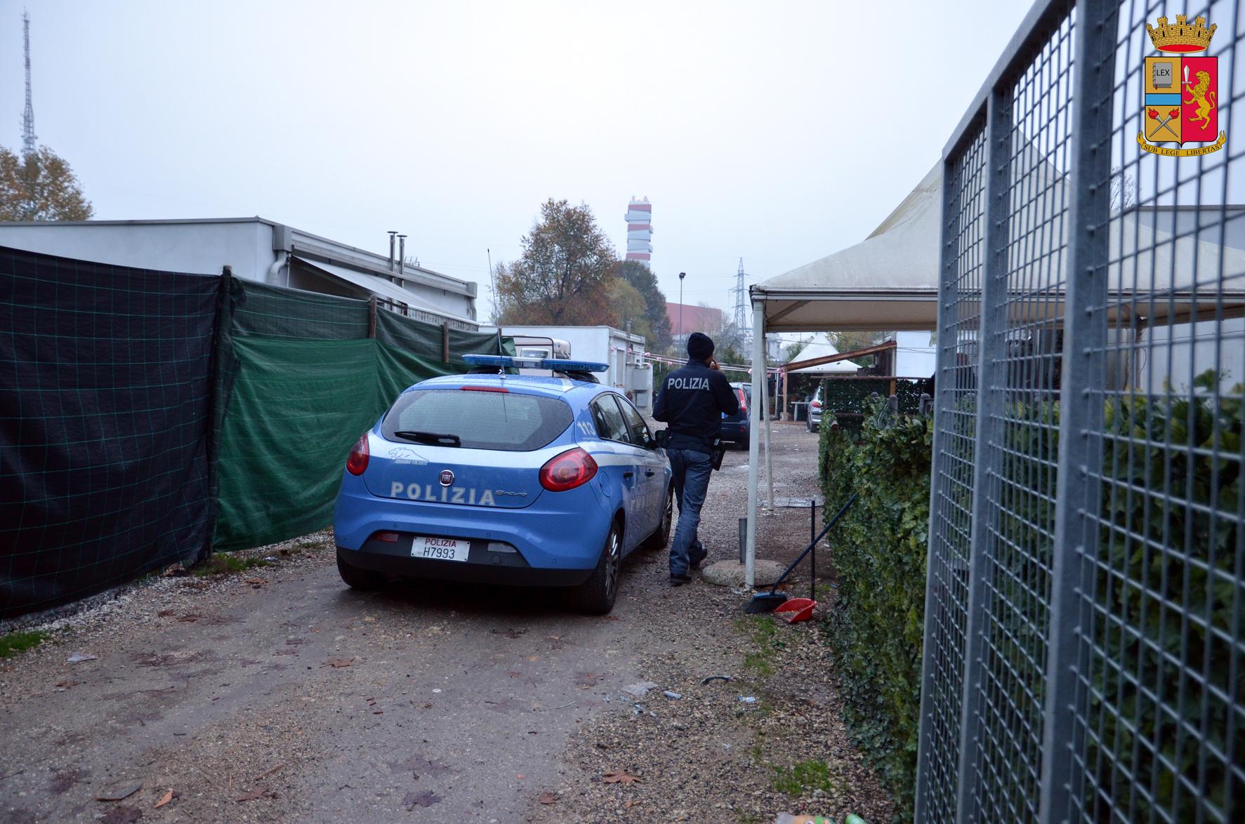 Controllo di polizia nel campo nomadi in via longhin for Permesso di soggiorno padova