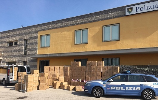 maxi sequestro calzature contraffatte