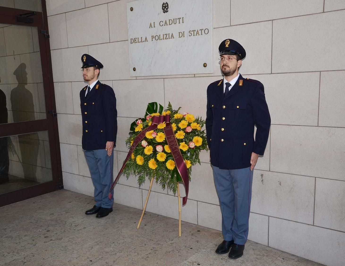 Polizia di stato questure sul web modena for Stato di polizia permesso di soggiorno