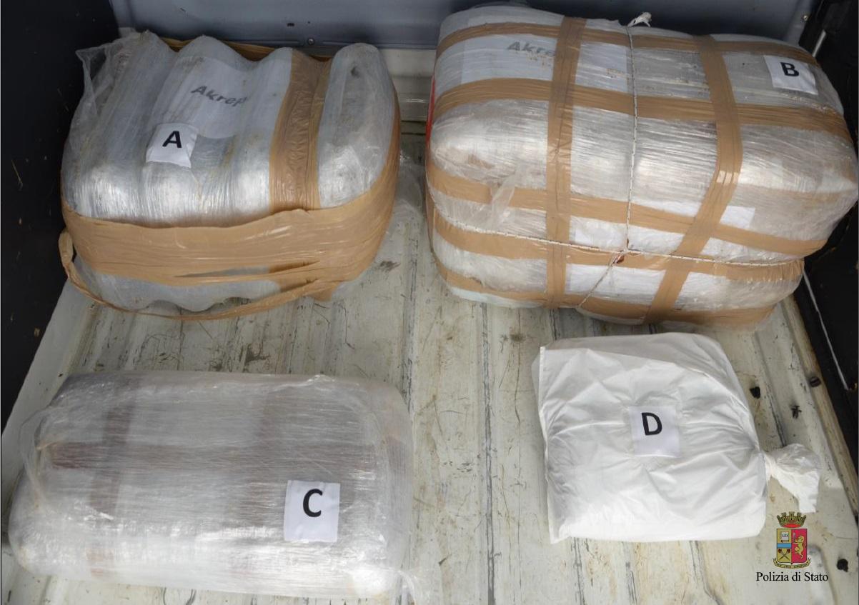 Sequestrati dalla squadra mobile 57 chili di marijuana for Questura di brescia permesso di soggiorno online