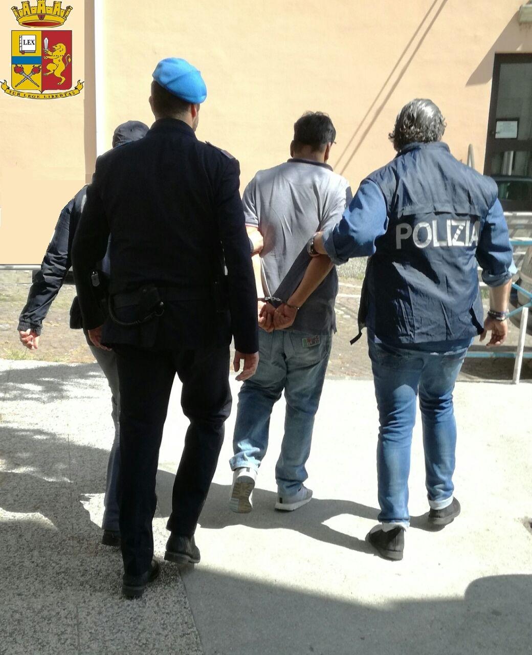 Arrestato dalla polizia di padova un islamico radicalizzato for Permesso di soggiorno padova