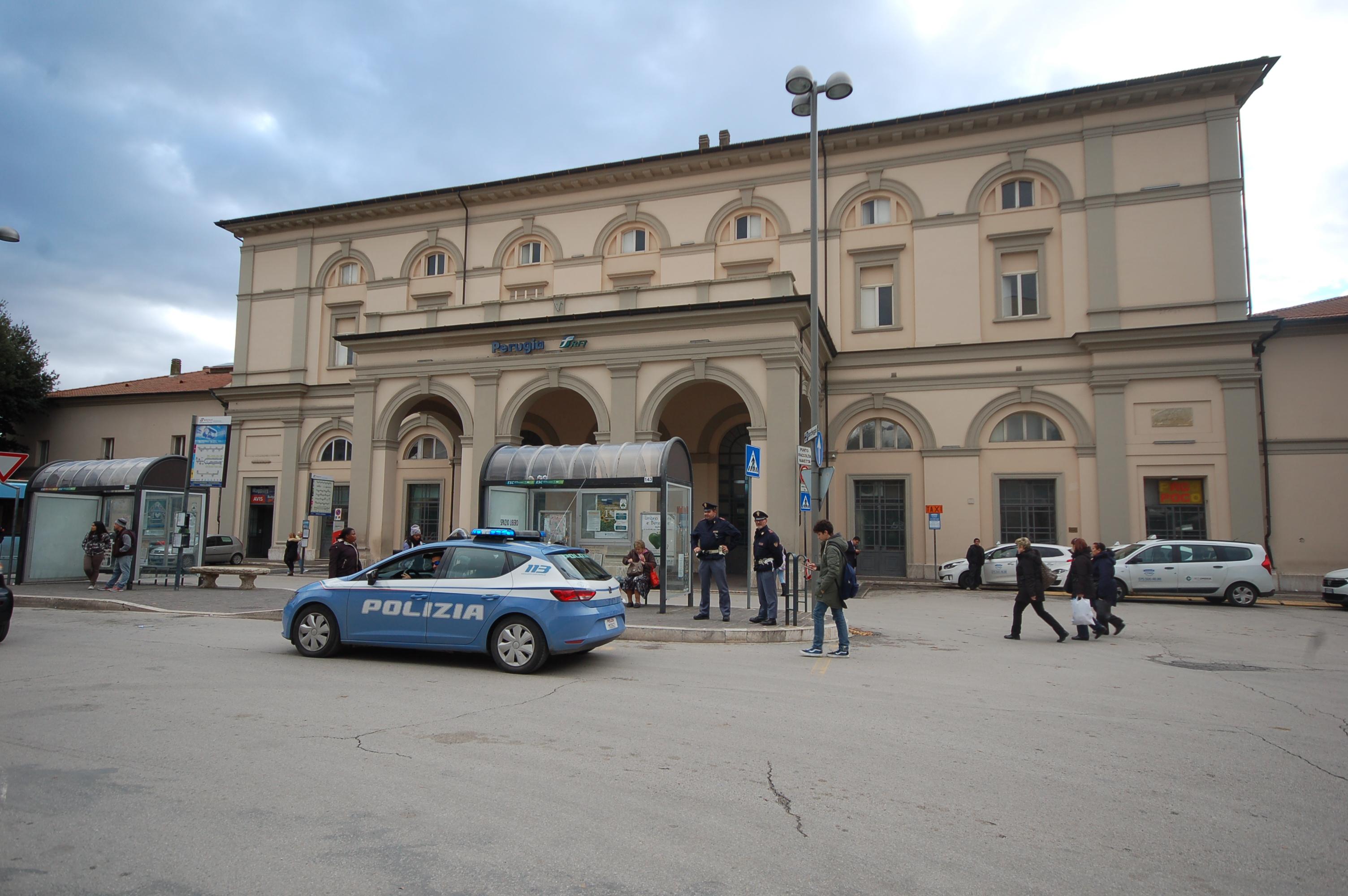 Polizia di stato questure sul web perugia for Polizia di stato soggiorno