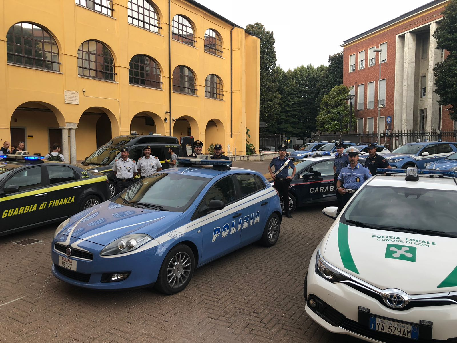 Polizia di stato questure sul web lodi for Polizia di soggiorno