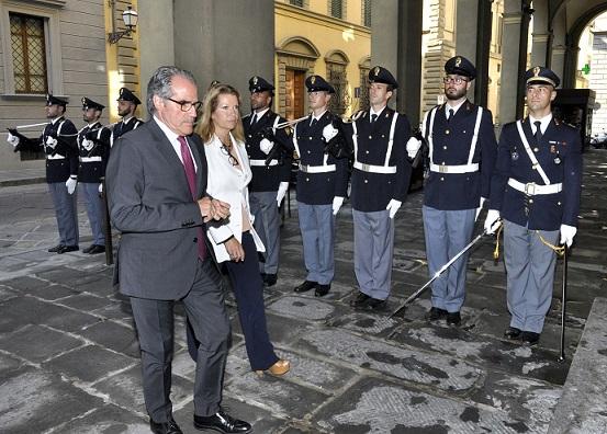 Il nuovo Prefetto di Firenze Laura Lega ieri mattina in visita in ...