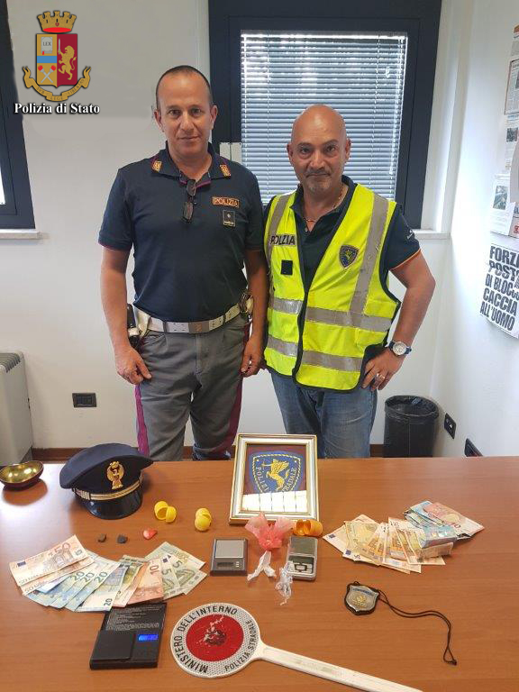 Polstrada Massa: arresto pusher