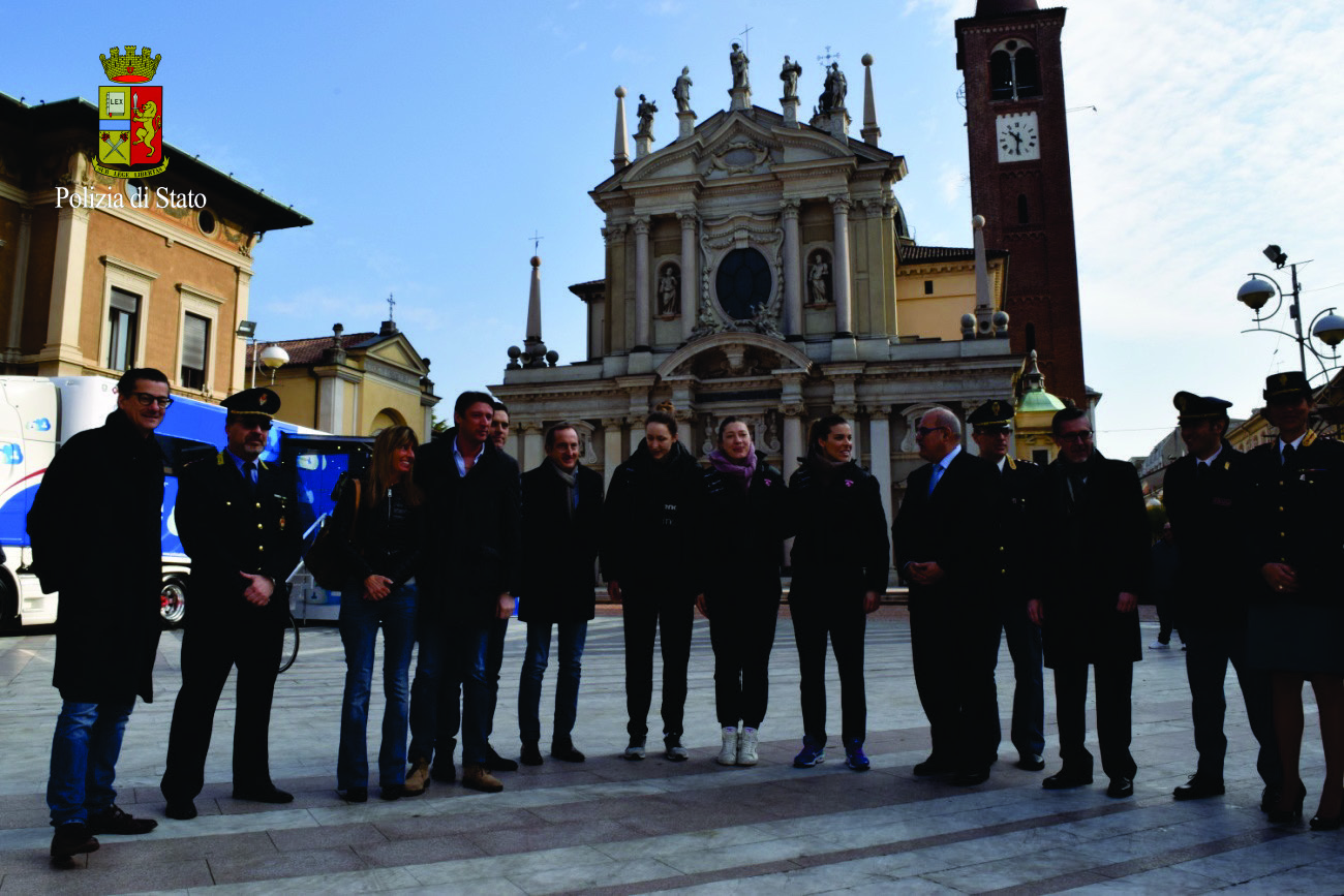 """Questura Varese – In Piazza a Busto Arsizio il Truck di """"Una Vita da ..."""