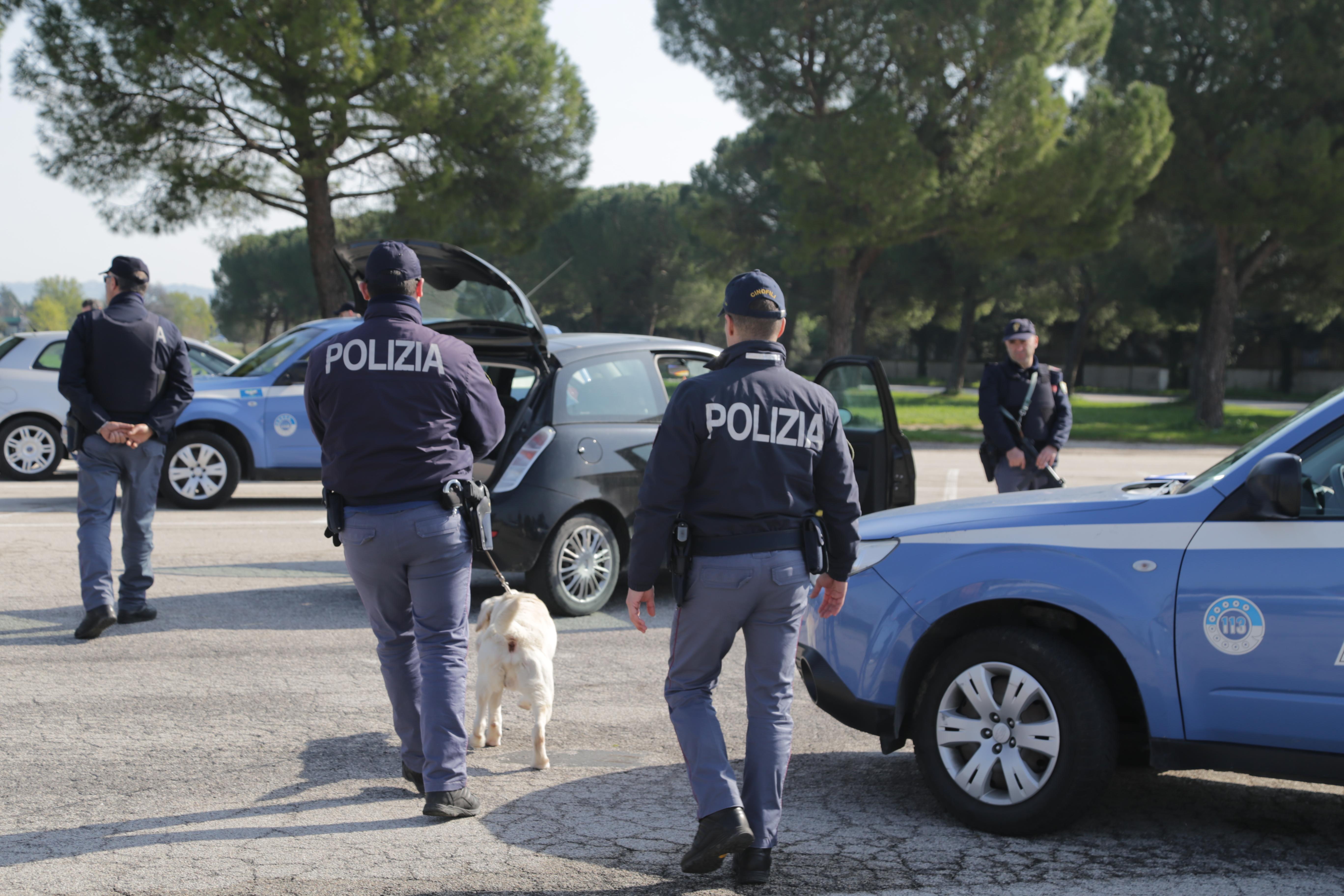 Polizia di stato questure sul web macerata for Stato polizia permesso di soggiorno