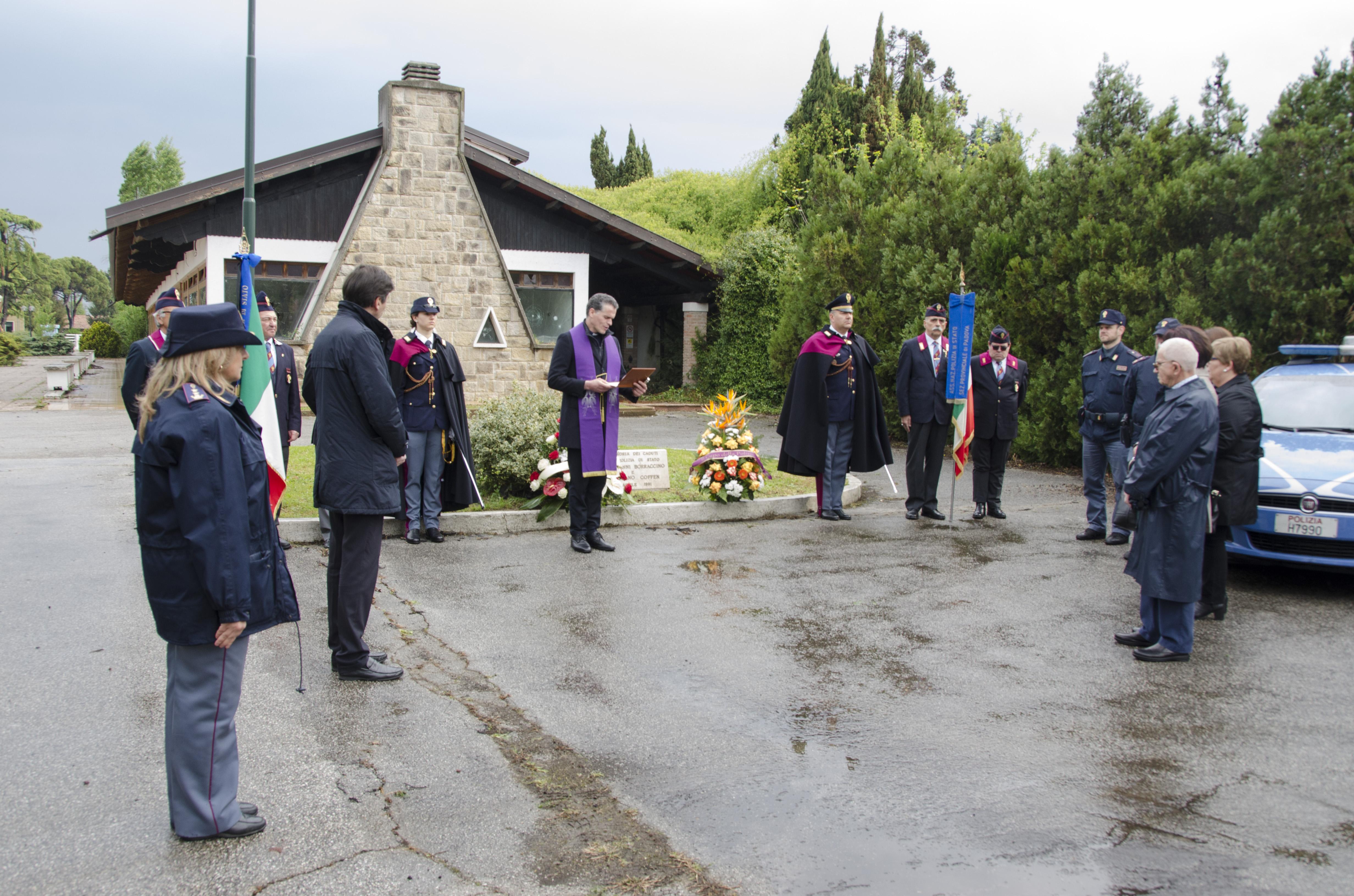 Commemorazione del decesso dell assistente giovanni for Questura di padova permesso di soggiorno