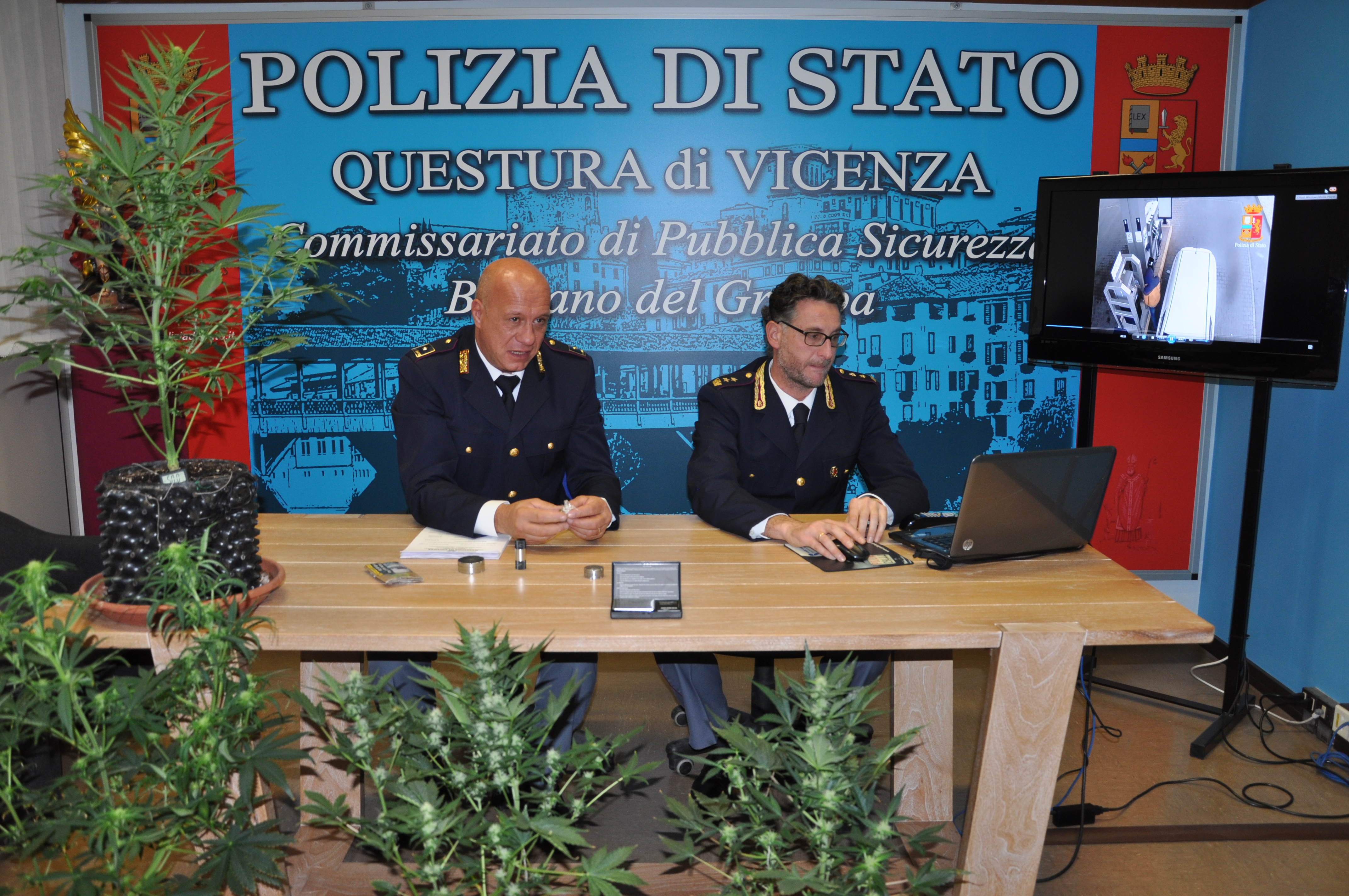 Polizia di stato questure sul web vicenza for Stato di polizia permesso di soggiorno